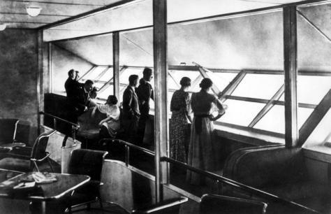 LZ_129_Hindenburg_interior