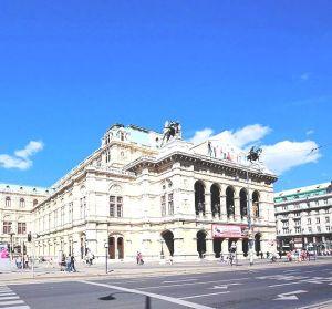 800px-Wien_-_Staatsoper_(2)