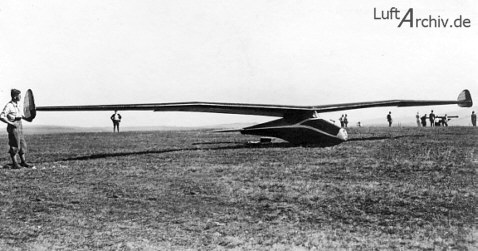1933: Aka Flug Stuttgart F-1 Fledermaus, design Willy Fiedler